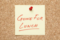 Iść Dla lunch Kleistej notatki Obrazy Royalty Free
