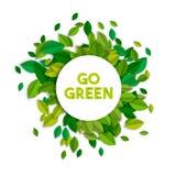 Iść zielony ekologii znaka pojęcie z drzewnymi liśćmi Fotografia Royalty Free