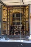 I århundrade för th 19 använde Chaozhou dyrbara träskulpturer av konst för att tillbe förfäder och mytologiska diagram Royaltyfri Fotografi
