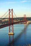 I 25 de Abril Bridge. Fotografie Stock Libere da Diritti