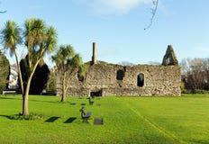 Констебли расквартировывают историческое жилище ранга i перечисленное нормандское в Крайстчёрче Дорсете Англии Великобритании Стоковые Изображения RF