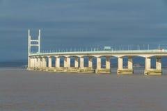 I andra hand Severn Crossing, bro över Bristol Channel mellan Engl Royaltyfri Foto