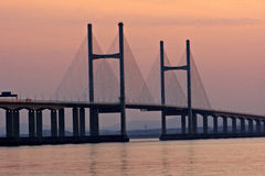 I andra hand Severn Crossing på solnedgången Royaltyfria Foton