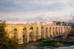 I 75 arché dell'aquedotto di Kamares, Larnaca, Cipro immagine stock