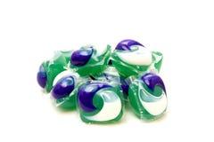 I baccelli della lavanderia sono il nuovo modo di conservazione dei vostri vestiti puliti Fotografie Stock