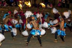 I ballerini Colourful di Chamara eseguono durante il Esala Perahera a Kandy, Sri Lanka Fotografia Stock Libera da Diritti