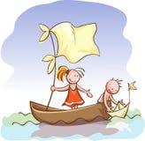 I bambini in barca lanciano una nave della carta del giocattolo Fotografia Stock
