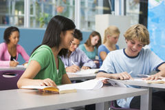 i bambini classificano la High School Immagini Stock Libere da Diritti