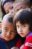 I bambini di lunedì 5-8 anni si riuniscono per photograp Fotografia Stock
