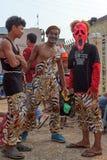 I bambini eseguono nel carnevale dell'annuale di Sihanoukville Immagine Stock