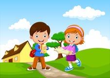 I bambini felici della scuola vanno a scuola royalty illustrazione gratis
