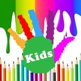I bambini Handprint rappresenta lo spettro Colourful e l'essere umano Immagini Stock Libere da Diritti