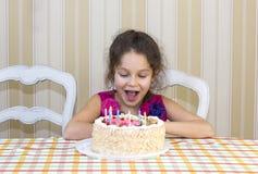 I bambini mangiano il dolce Fotografia Stock