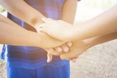 I bambini uniscono le mani Fotografia Stock Libera da Diritti