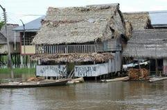 I bassifondi del villaggio di Belen in Iquitos, Perù nella foresta pluviale di Amazon fotografia stock libera da diritti