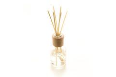 Bei bastoni di incenso in un liquido fragrante Fotografia Stock Libera da Diritti