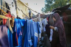 I belägrade Gaza försvårar armod barnundernäring arkivbilder