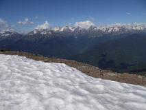 I bergen av Kaukasuset Krasnaya Polyana Arkivfoto