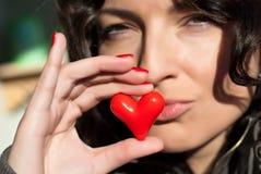 I biglietti di S. Valentino baciano con cuore Fotografie Stock Libere da Diritti
