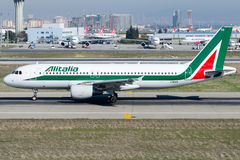 I-BIKD Alitalia, flygbuss A320-214 Royaltyfri Bild