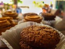 I biscotti scremano con di pepita di cioccolato Fotografie Stock Libere da Diritti