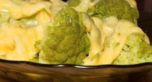 I broccoli sono molto utili fotografie stock