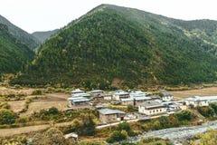 By i bygden av Shangri-La Arkivbild