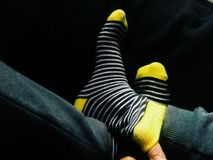 I calzini comodi sono la cosa migliore su days☀ piovoso immagini stock