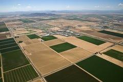 I campi agricoli incontrano il viale Fotografia Stock Libera da Diritti