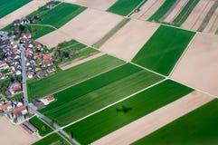 I campi della Svizzera Vista dell'occhio del ` s dell'uccello Fotografia Stock Libera da Diritti