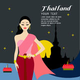 I capelli lunghi delle belle donne con progettazione tailandese del vestito Immagine Stock