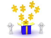 i caratteri 3D che incoraggiano ed aprono il contenitore di regalo con i pezzi di puzzle Immagini Stock