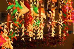I carillon di vento, le sculture del legno, l'animale, bella, voce melodica  Immagine Stock Libera da Diritti