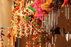 I carillon di vento, le sculture del legno, l'animale, bella, voce melodica  Fotografie Stock Libere da Diritti