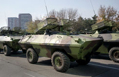 I carri armati militari invadono la città Fotografia Stock