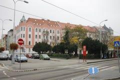 I centrum av Bratislava den gamla staden arkivbilder