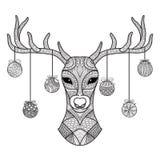 I cervi disegnati a mano si dirigono con le palle di Natale che appendono sul suo corno, per il libro da colorare, cartolina di N Immagine Stock Libera da Diritti