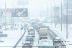I-294 Chicago Datenbahn während des Schnee-Sturms Stockbilder