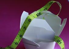 I cinesi eliminano il contenitore con nastro adesivo measureing Immagini Stock Libere da Diritti