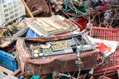 I circuiti elettronici sprecano per riciclare immagine stock
