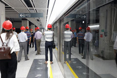 I cittadini visitano la linea imminente 1 della metropolitana di xiamen Fotografie Stock