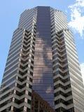 i city modern byggnad Arkivbilder