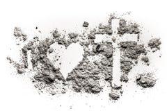 I, coeur et croix ou dessin de crucifix en cendre Photographie stock libre de droits
