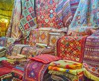 I colori dei tappeti persiani, Shiraz, Iran Fotografie Stock Libere da Diritti