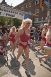 I corridori partecipano alla corsa di ricordo Immagine Stock