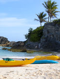 I crogioli di pagaia sono sulla spiaggia sabbiosa Fotografia Stock Libera da Diritti