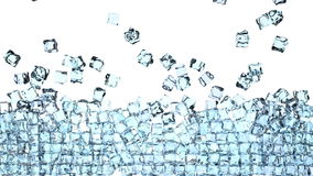 i cubetti di ghiaccio 4K sta cadendo giù su un bianco e sta formando una parete davanti alla macchina fotografica stock footage