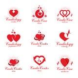 I cuori rossi hanno creato con le frecce del grafico e di circolazione del ecg Insieme di royalty illustrazione gratis