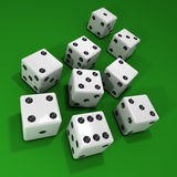i dadi bianchi 3d su verde beize Immagine Stock Libera da Diritti