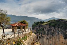 I dalen av Meteora Grekland Arkivbilder